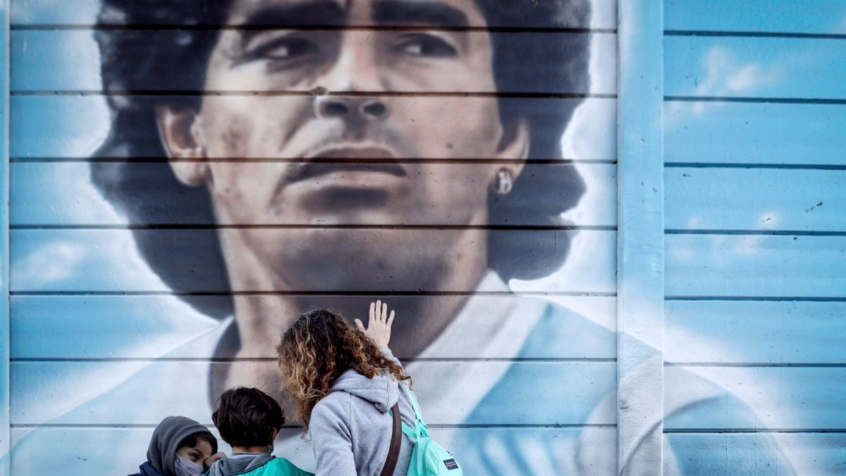 A mural with the image of Maradona in Argentina.