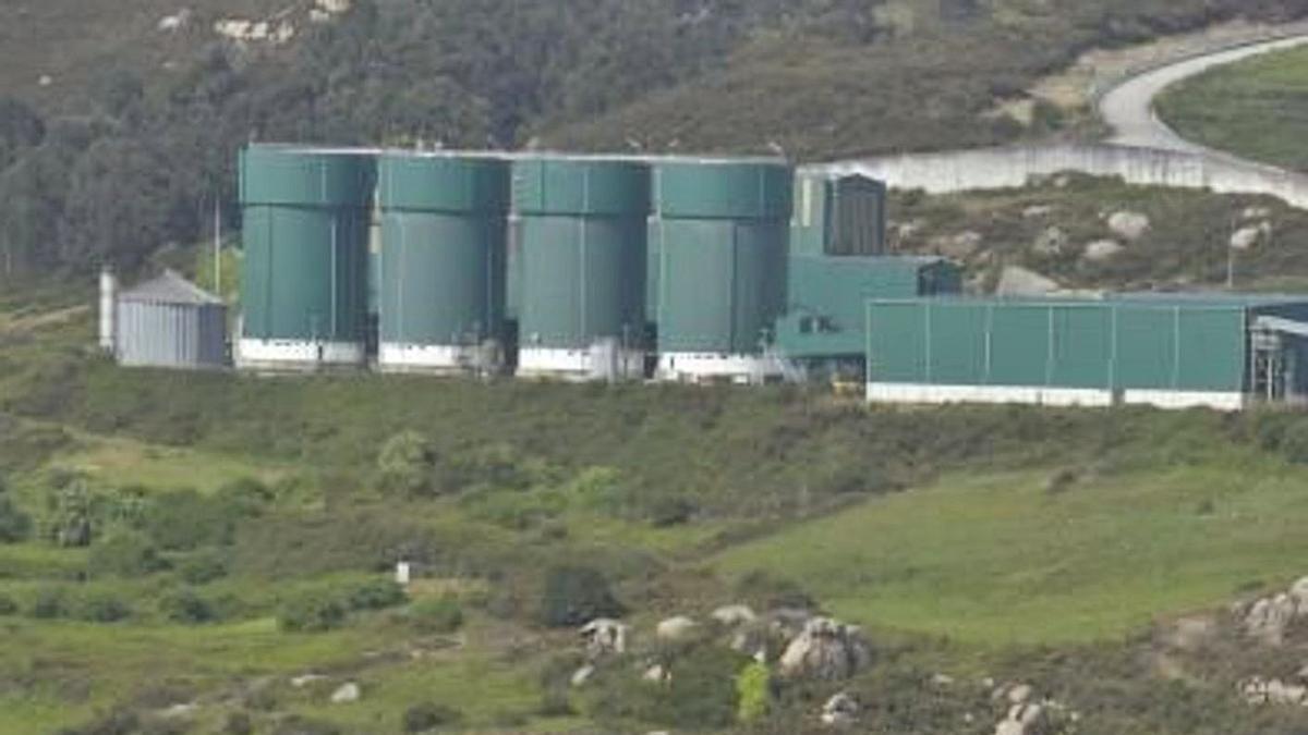 Vista parcial de la planta de tratamiento de residuos de Nostián. |   // VÍCTOR ECHAVE