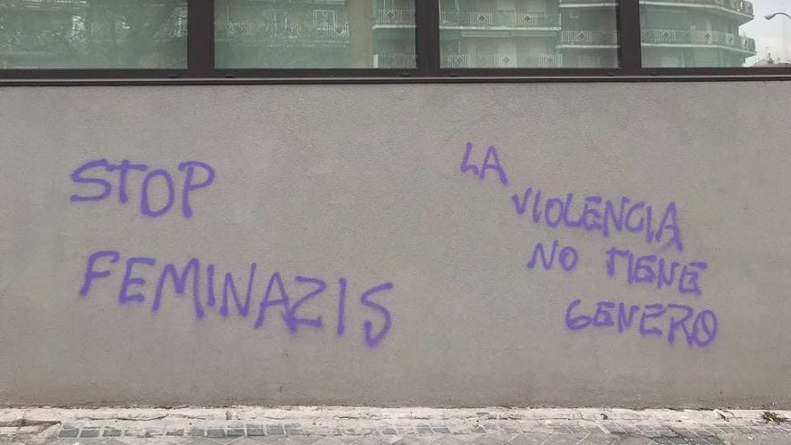 "Atacan la sede de Podemos con pintadas de ""Stop feminazis"" y Echenique señala a Vox"