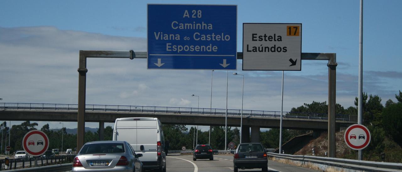 Arcos que controlan a los vehículos en las carreteras portuguesas.