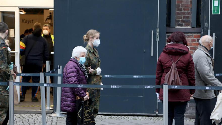 Francia, Alemania y Reino Unido toman nuevas medidas contra la pandemia