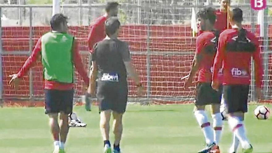 Sergi separa a Culio y Oriol tras pelearse en el entrenamiento