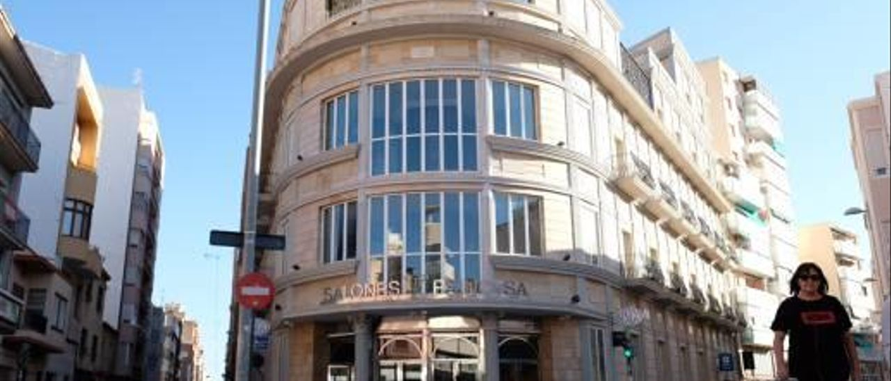 Los Salones Princesa se encuentran en el centro de la ciudad de Elda.
