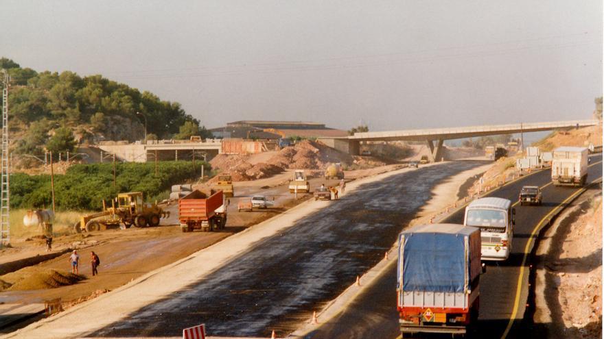Más de 30 años sin el muro de la N-340 de Almenara