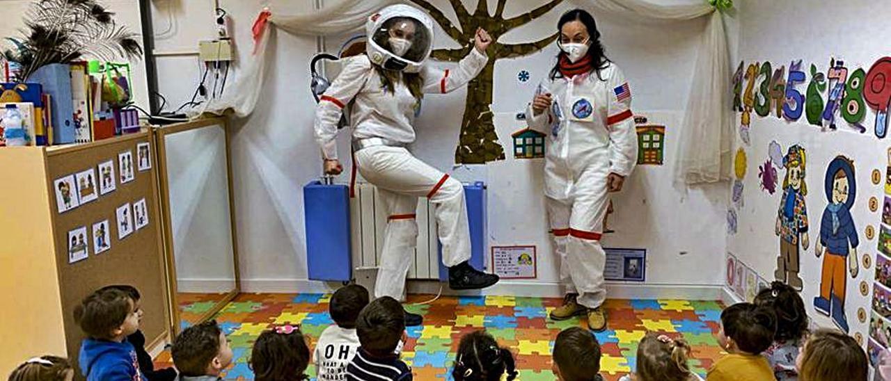 Profesoras-astronautas con alumnos de Bolbaite.   CEIP ALBAIT