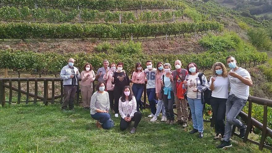 El público responde a la llamada del vino cangués