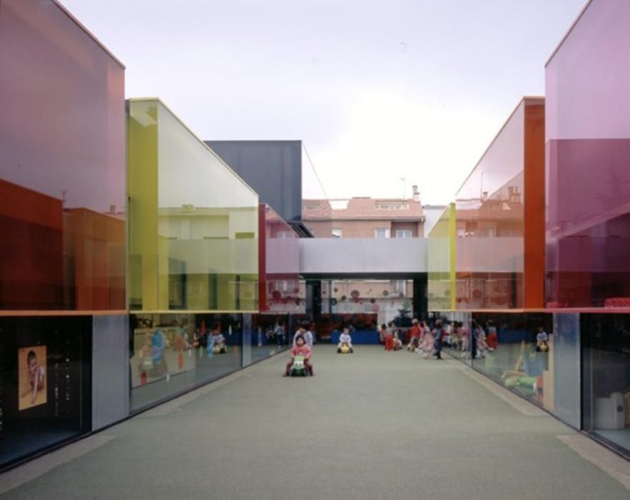 Escola bressol Colors (Manlleu, 2004)