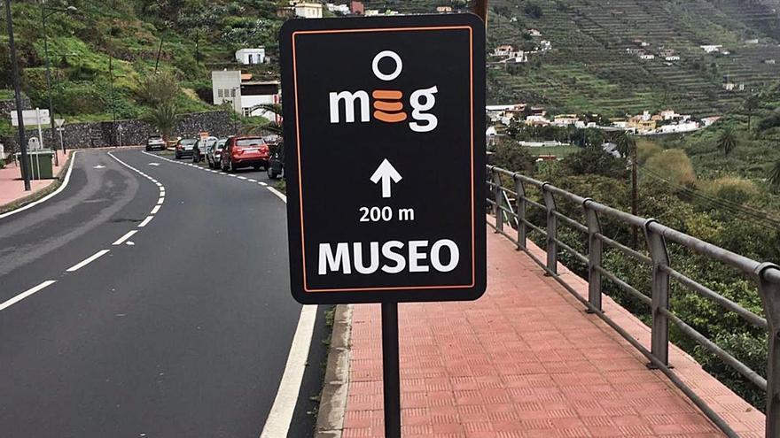 El Cabildo instala nuevas señales informativas de la red de museos