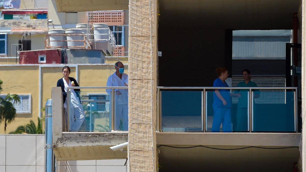 Sanidad realiza más de 16.700 pruebas de detección del coronavirus entre los trabajadores del SCS.
