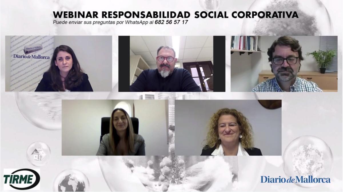 Los ponentes que intervinieron durante el Foro de RSC interactivo, Manuel Porras, Aleix Calveras, Amalia Cerdá y Catalina Alemany junto a la moderadora, María Jesús Riera.