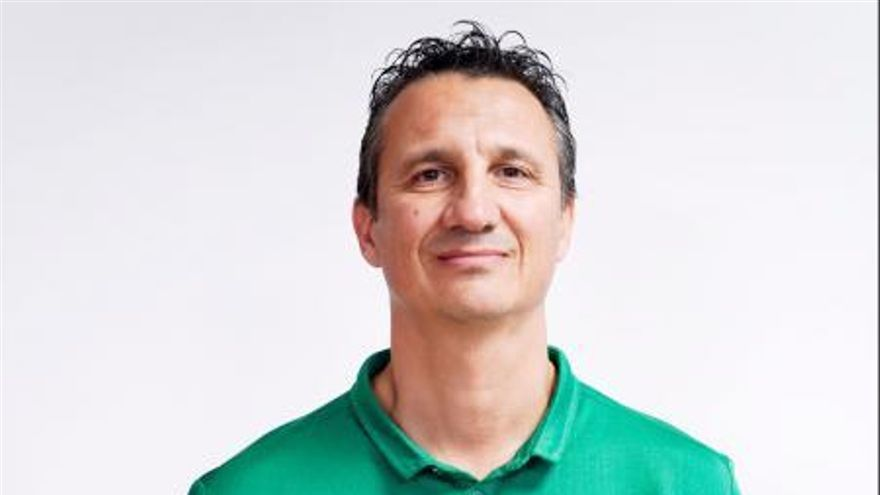 El Unicaja confirma que Jesús Lázaro será el entrenador del equipo de LF2
