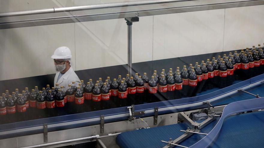 Coca-Cola dona un millón de litros a hospitales y residencias