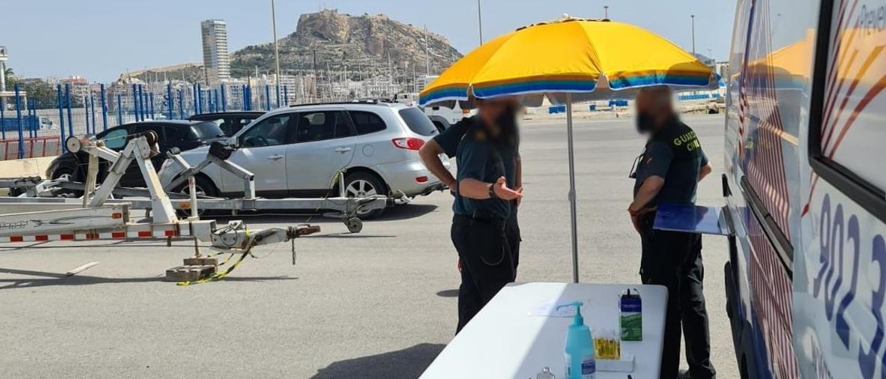 Lugar donde se realizan los reconocimientos médicos a los guardias civiles en Alicante.
