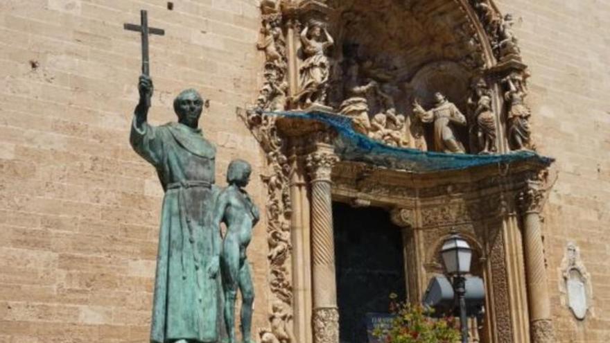 Una concejal del ayuntamiento de Palma pide retirar la estatua de Junípero Serra en Sant Francesc