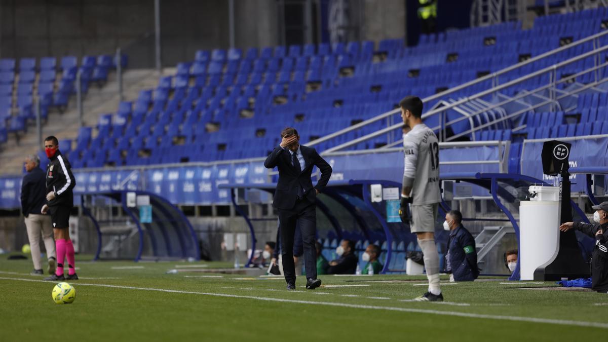 Ziganda durante el partido del Real Oviedo ante el Málaga en el Carlos Tartiere