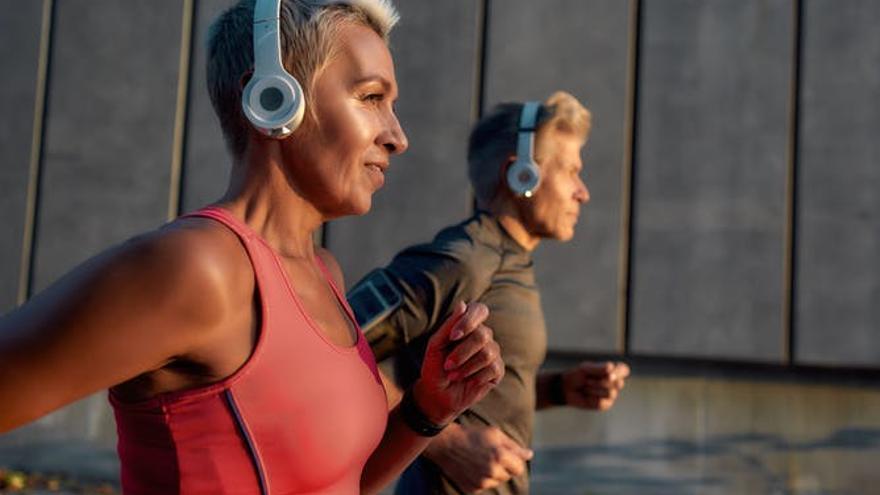 ¿Tiene el mismo efecto correr por la mañana que por la tarde o por la noche?: los expertos responden