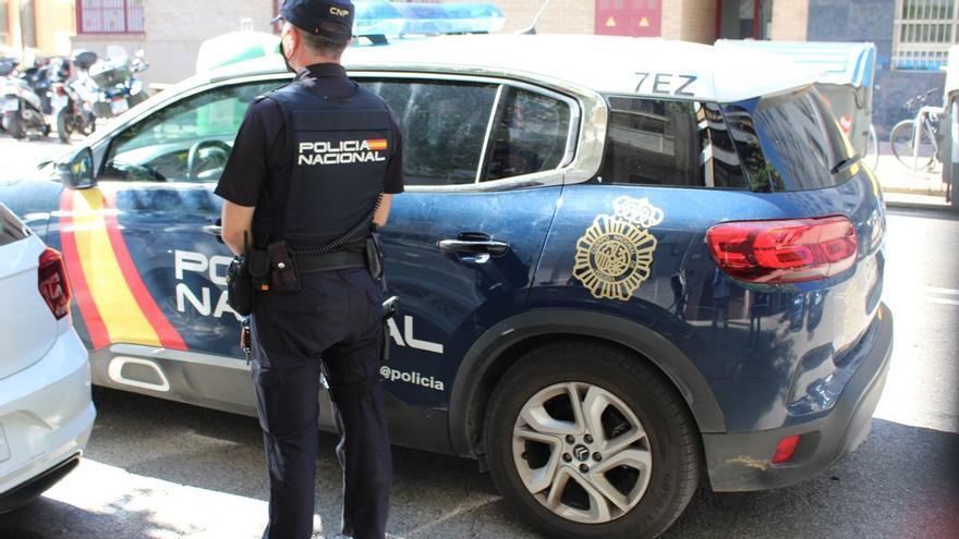 Detenido un hombre en Asturias que paseaba armado con una catana