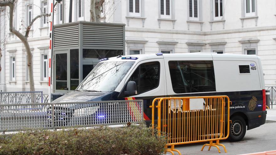 Cuatro acusados de captar mujeres para el Estado Islámico aceptan ocho años de prisión