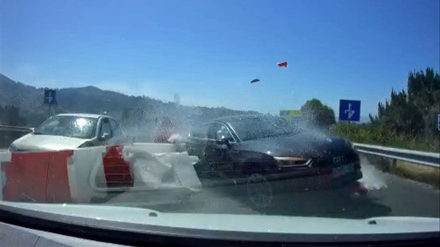 Las espeluznantes imágenes que grabó uno de los turismos implicados en esta brutal colisión en Vigo