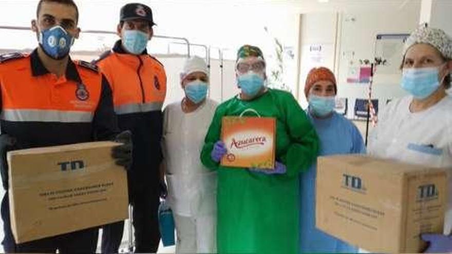 Azucarera entrega 7.000 calzas a Protección Civil de Benavente para repartir entre sanitarios