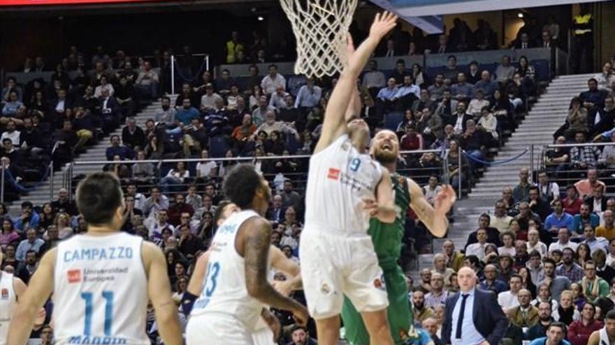 El Madrid toma la delantera a costa de Zalgiris
