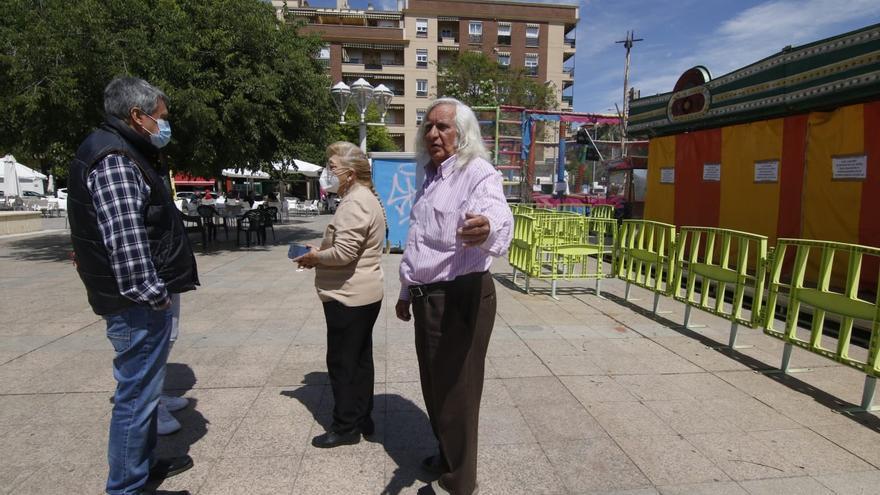 Los vecinos del Zoco piden al Ayuntamiento de Córdoba que no retire las atracciones de la plaza