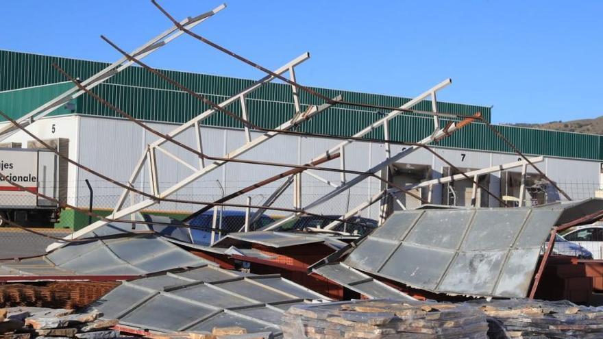 Emergencias atiende más de 320 incidentes por los fuertes vientos en la Región