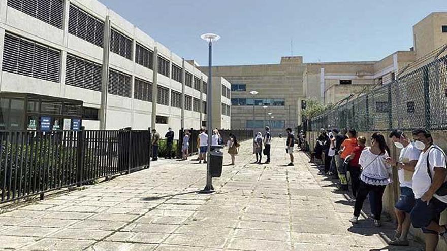 Fehlende Termine bei Mallorcas Ausländerbehörde sorgen für Ärger
