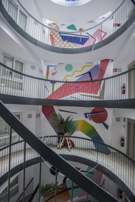 Mural en un edificio de apartamentos de Alicante