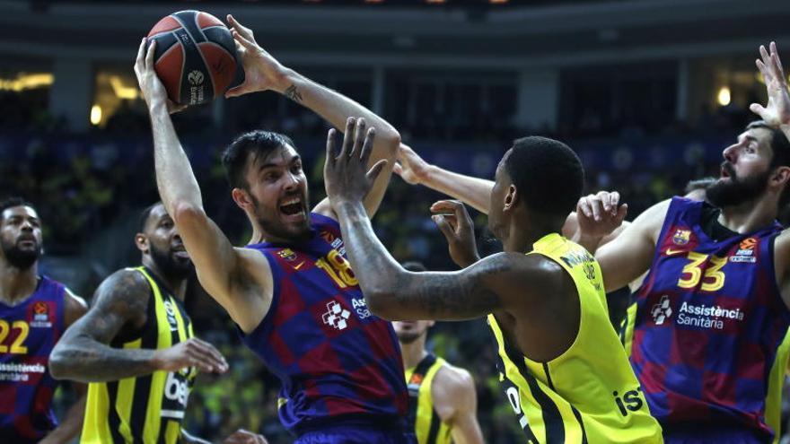 El Barça cura su herida hurgando en la del Fenerbahçe