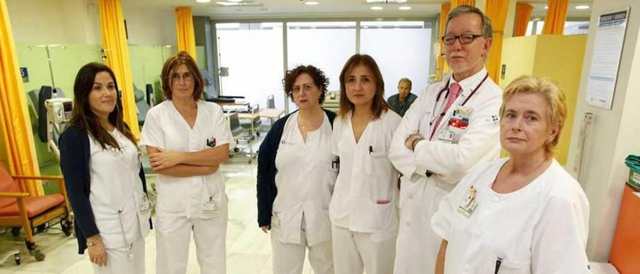 Por la izquierda, Laura Castellano, Maribel Rocha, Ana López, Mónica Álvarez, Ángel Ordóñez e Isabel Menéndez.