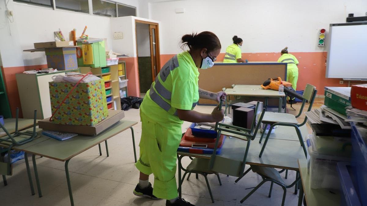 FSIE reclama la vacunación prioritaria del personal de los centros educativos