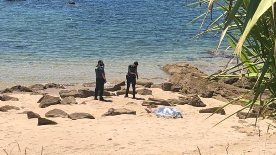 Un moañés de 80 años en Praia dos Alemáns, cuarto bañista muerto del verano en la comarca