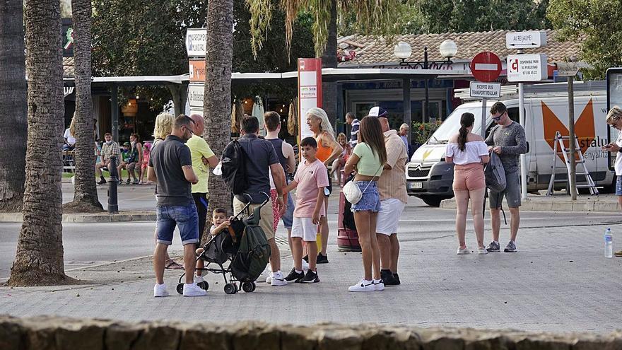 El primer día de paros en los buses de Ponent afecta a unos 60 servicios
