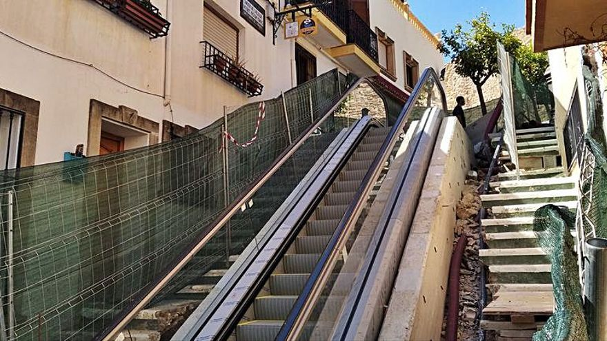 Las escaleras mecánicas del casco antiguo de Calp ya funcionarán a final de mes