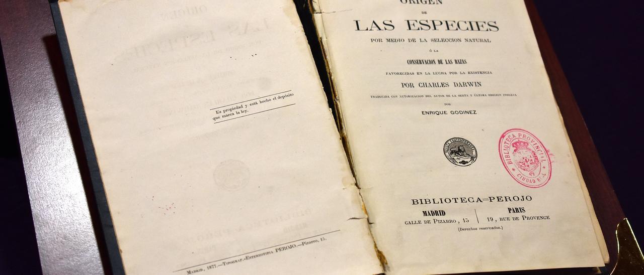 Reaparece una primera edición en castellano de Darwin perdida en Ciudad Real