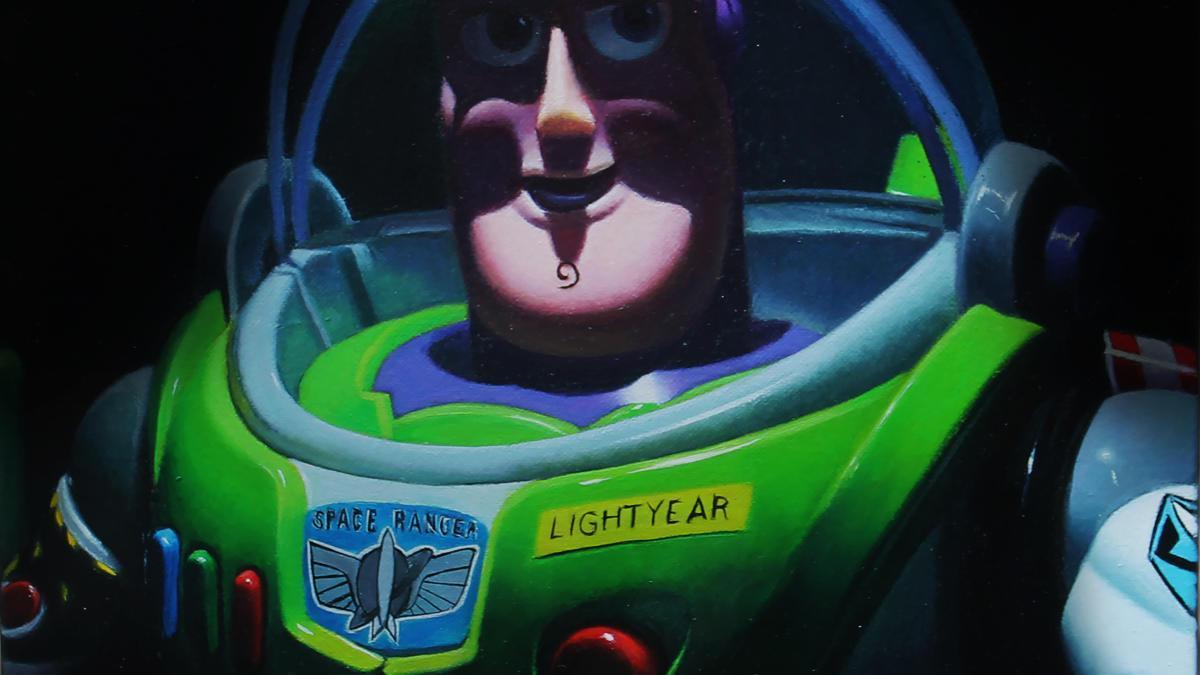 Buzz, objecte de la infància de l'artista retratat amb una visió personal