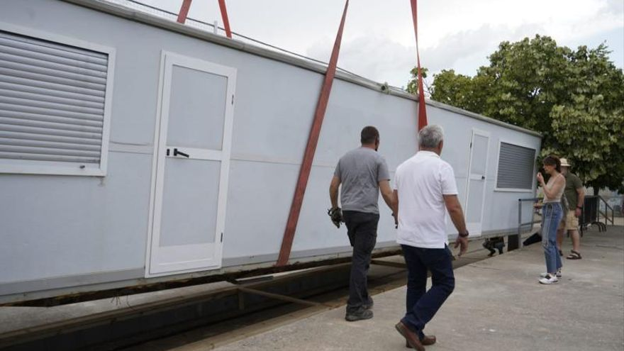 GALERIA | Los campos de fútbol de Valorio ya tienen sus vestuarios provisionales