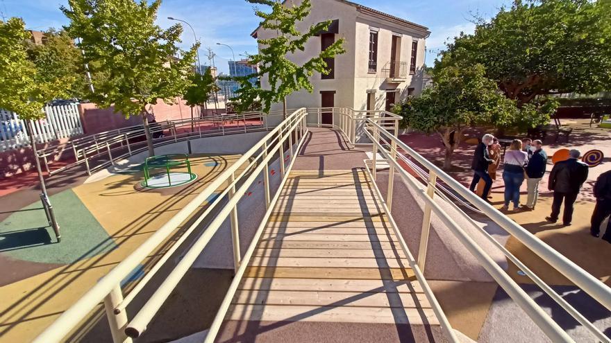 Abre la nueva zona de juegos inclusivos y accesibles del Parque de Marxalenes