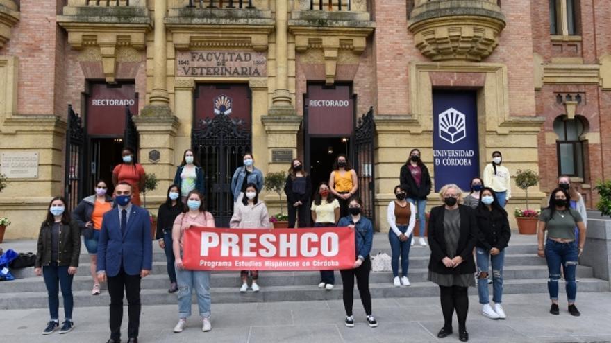 La UCO recibe a las alumnas del programa Prescho