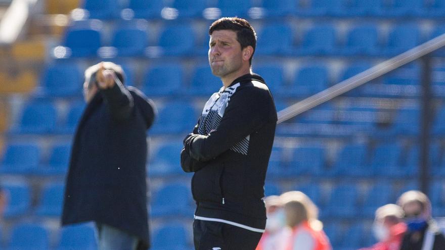 Gerard Albadalejo: «El 1-0 fue un mazazo para el Orihuela y debemos atrevernos más en ataque»