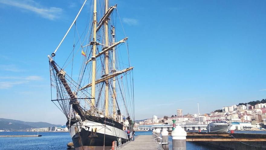 Vigo recibe la visita del primer buque escuela de la era Covid-19
