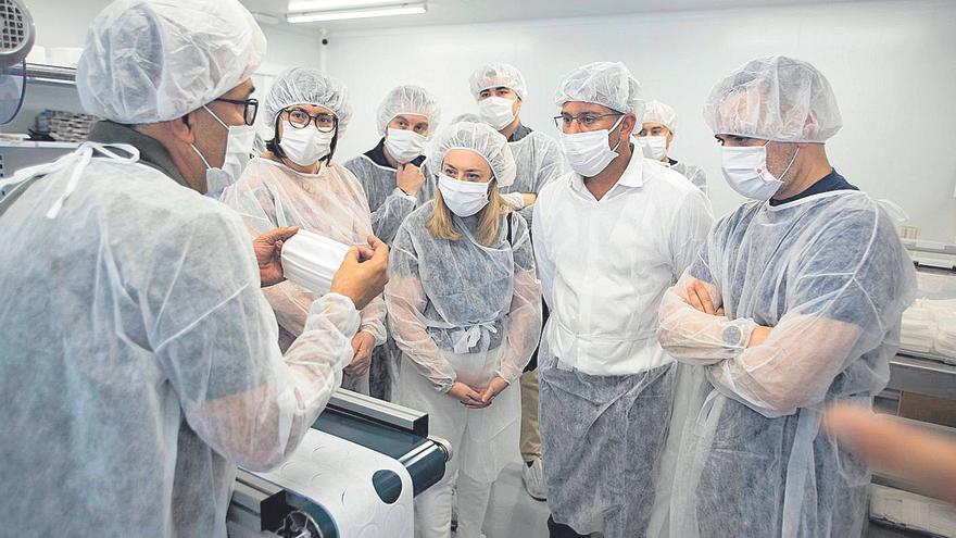 Ontinyent resalta que el textil sanitario ha contribuido a generar empleo en 2020