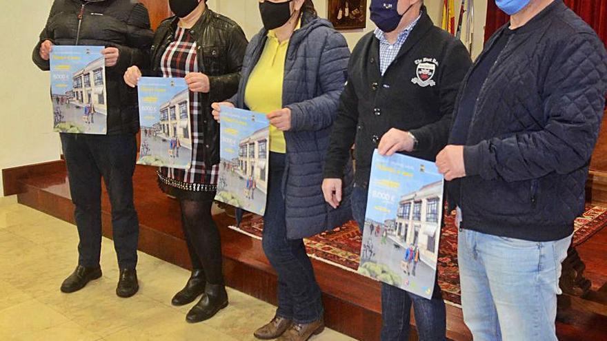 Los alcaldes instan a los vecinos a comprar más en los pueblos para ayudar al comercio