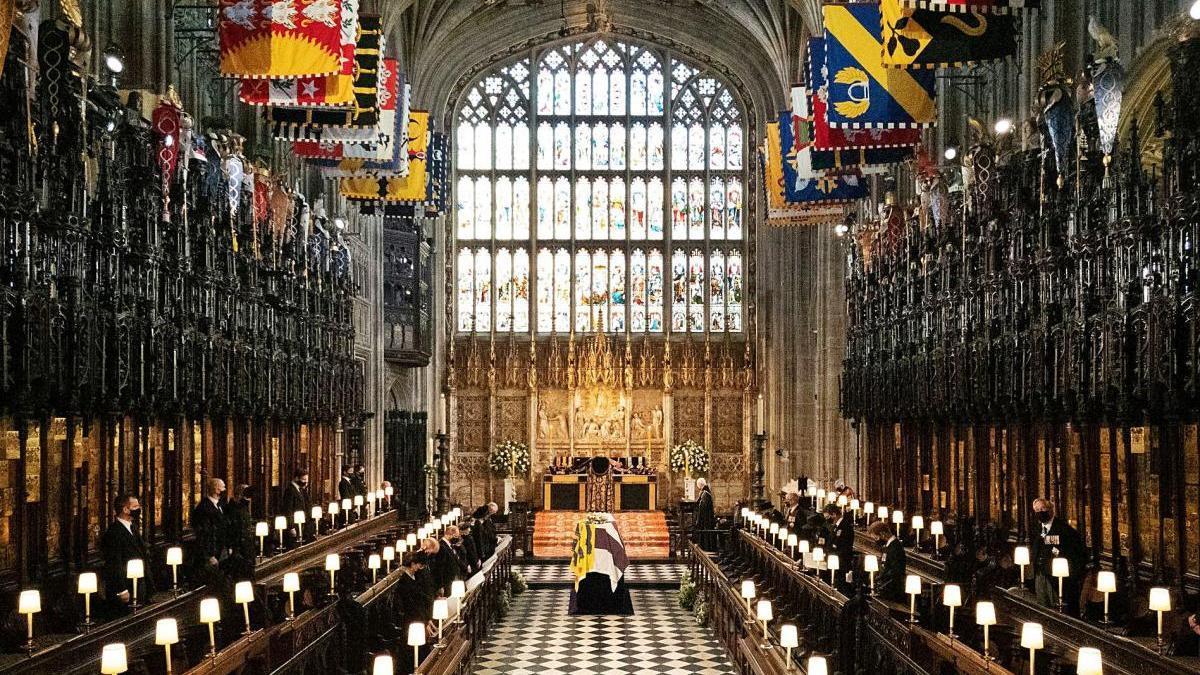 Un moment del servei religiós que va tenir lloc a la capella de Sant Jordi per acomiadar el duc Felip d'Edimburg.