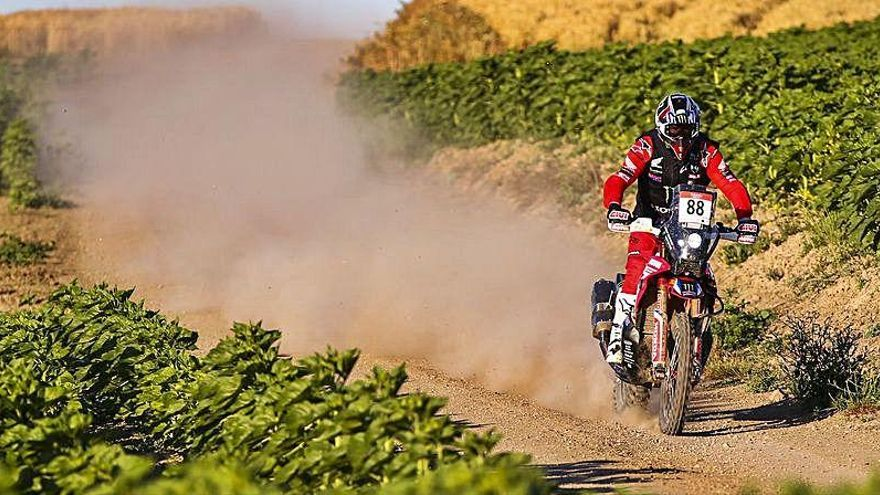 Joan Barreda gana la segunda etapa y afianza su liderato