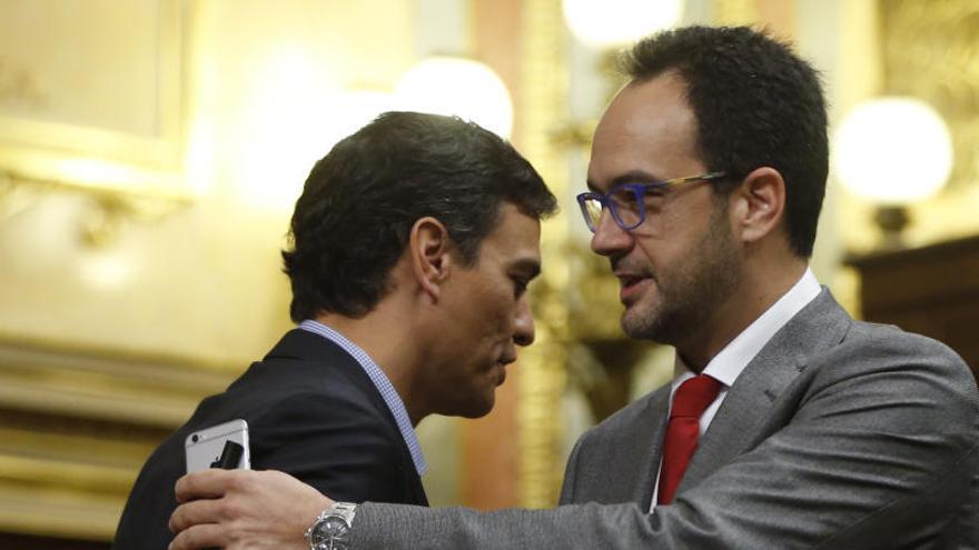 Hernando acepta seguir en la dirección del grupo del PSOE hasta el congreso federal