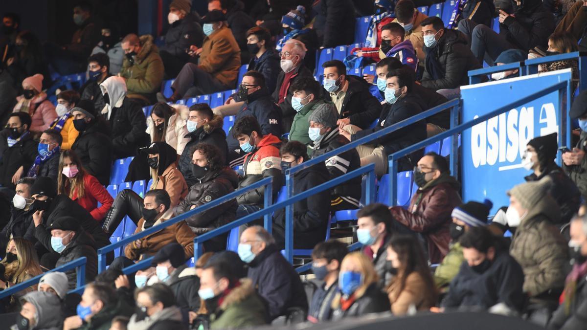Afición en las gradas de Riazor durante una eliminatoria de la Copa del Rey.