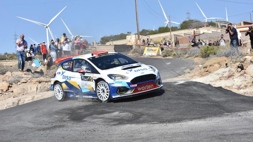 Enrique Cruz se impone en el Rallye Villa de Adeje