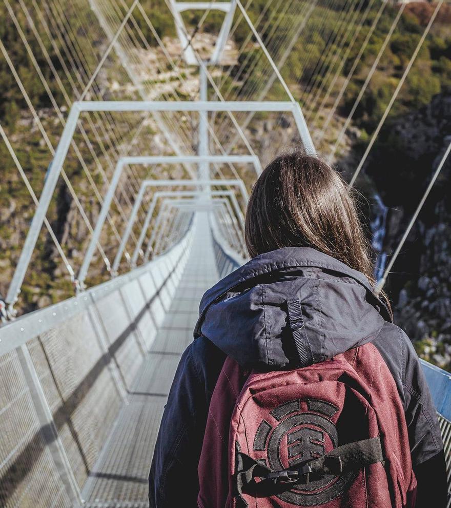 Portugal abre al público el puente colgante peatonal más largo del mundo